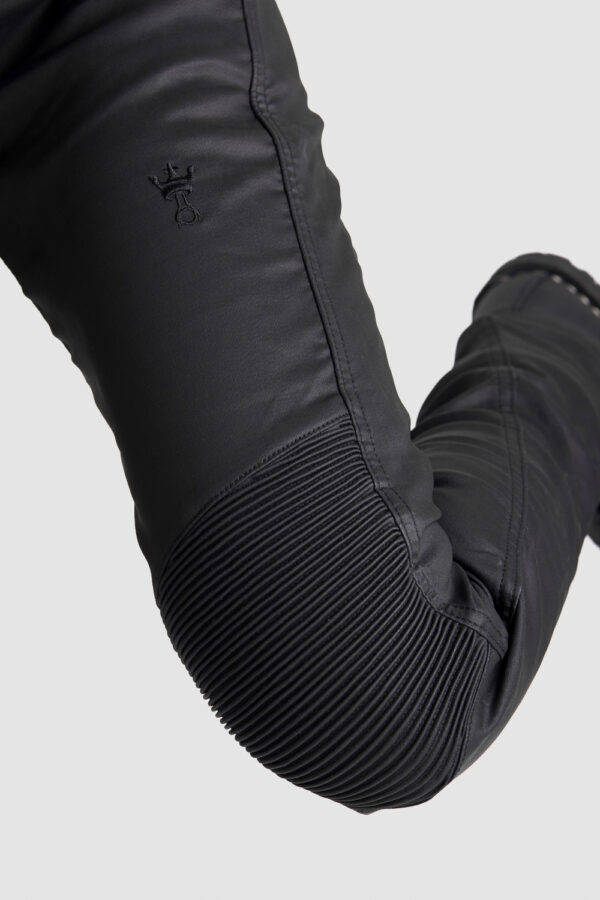 Kusari Kev 02 Motorcycle Jeans for women knee close-up 2